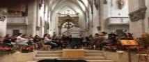 """התזמורת הסימפונית של ביה""""ס למוזיקה בשחזור """"קונצרט השחרור"""" במנזר סט. אוטיליין"""