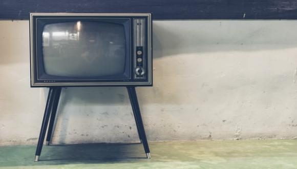 פיקציה 10 - המשך יבוא: חזרתיות והמשכיות בטלוויזיה